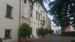 Villa monga